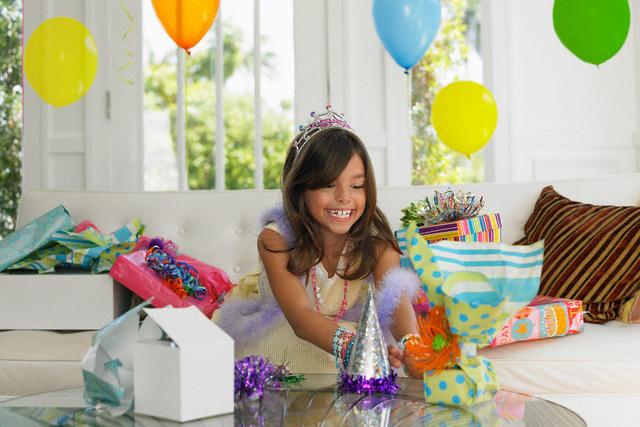 Что подарить девочке на 7 лет