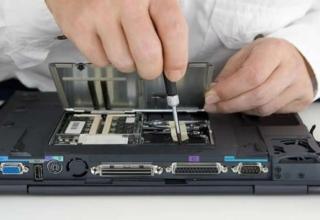 Куда бежать, если сломался ноутбук?